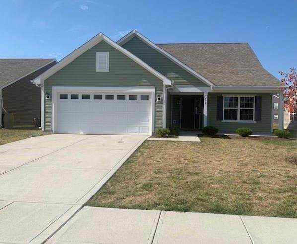 2572 Shadowbrook Trace, Greenwood, IN 46143 (MLS #21745157) :: The ORR Home Selling Team