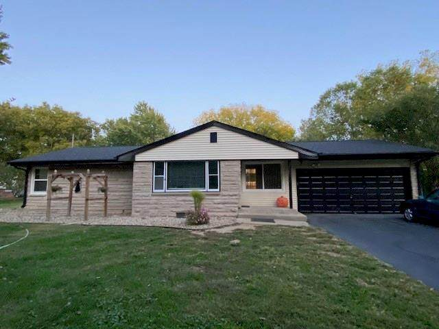1576 Edgehill Road, Shelbyville, IN 46176 (MLS #21745531) :: The ORR Home Selling Team