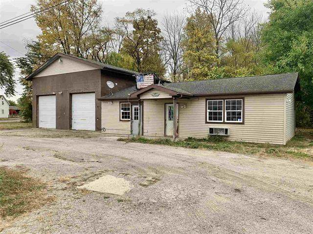 3101 Brown Street, New Castle, IN 47362 (MLS #21746329) :: Mike Price Realty Team - RE/MAX Centerstone