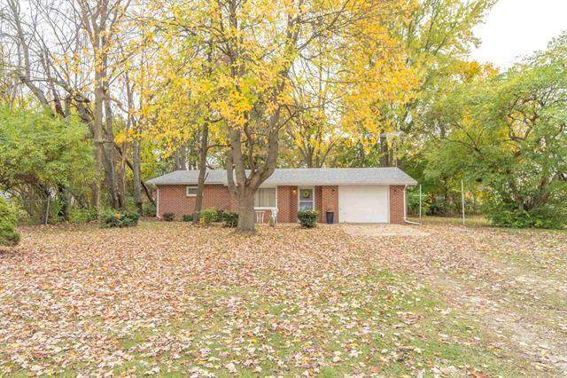 1103 E 25th Street, Muncie, IN 47302 (MLS #21749256) :: Richwine Elite Group