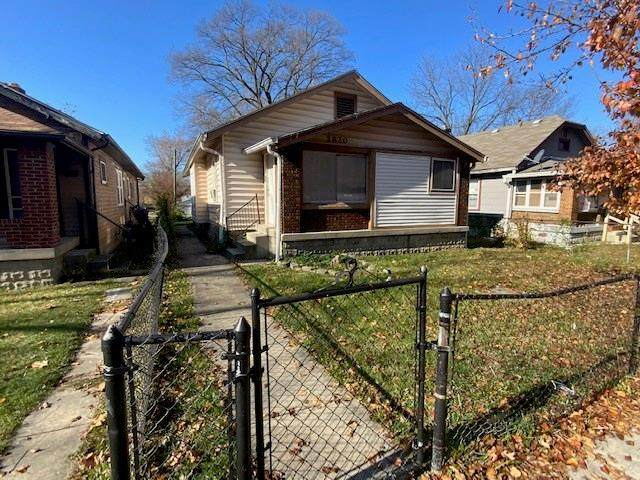 2820 N Denny Street, Indianapolis, IN 46218 (MLS #21749746) :: The Evelo Team