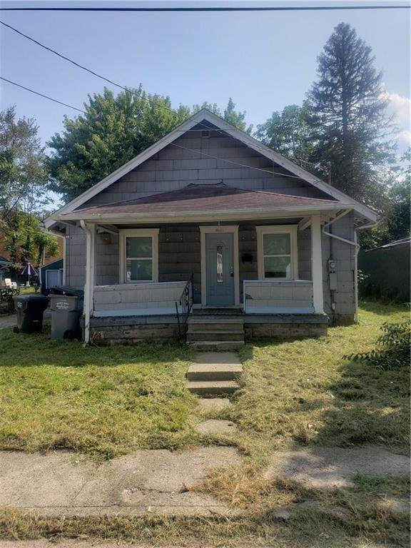 1621 W 21st Street, Anderson, IN 46016 (MLS #21749833) :: The Evelo Team