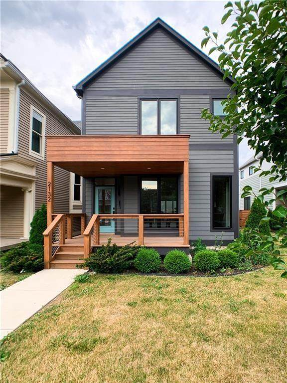 2132 N Delaware Street, Indianapolis, IN 46202 (MLS #21751113) :: The Evelo Team
