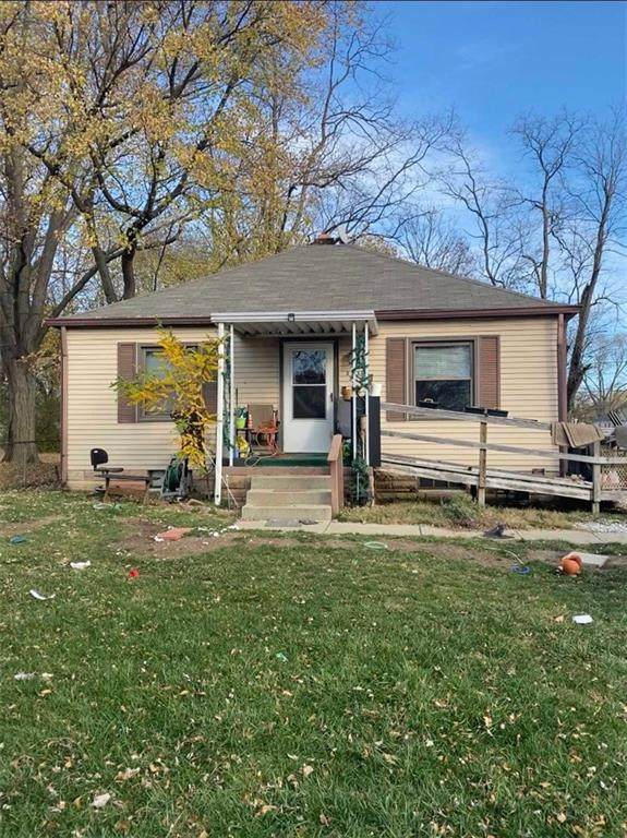 3315 N Gladstone Avenue, Indianapolis, IN 46218 (MLS #21752052) :: Ferris Property Group