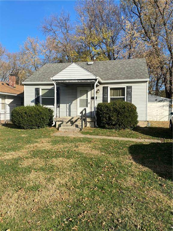 3351 N Gladstone Avenue, Indianapolis, IN 46218 (MLS #21752075) :: Ferris Property Group