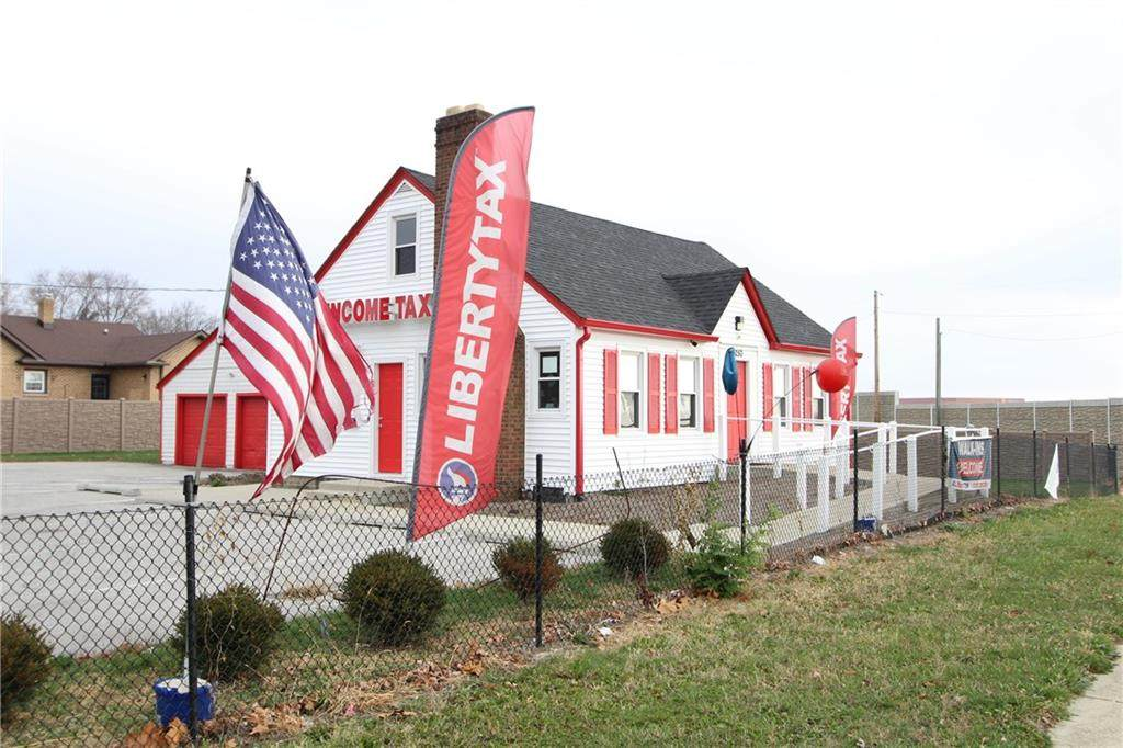 6250 Rockville Road - Photo 1