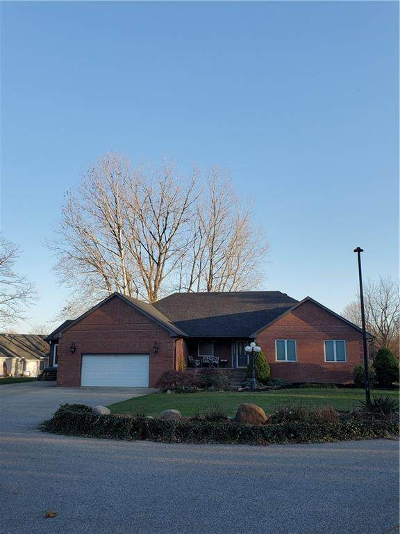 12933 N Waters Edge Drive, Camby, IN 46113 (MLS #21752700) :: Ferris Property Group