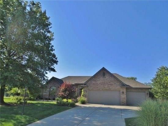 10310 Nicole Drive, Brownsburg, IN 46112 (MLS #21754490) :: Mike Price Realty Team - RE/MAX Centerstone