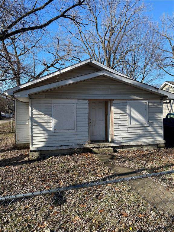 3291 N Whittier Place, Indianapolis, IN 46218 (MLS #21754927) :: Richwine Elite Group