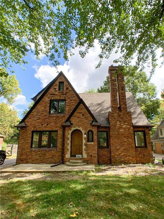 5675 Winthrop Avenue, Indianapolis, IN 46220 (MLS #21756425) :: AR/haus Group Realty