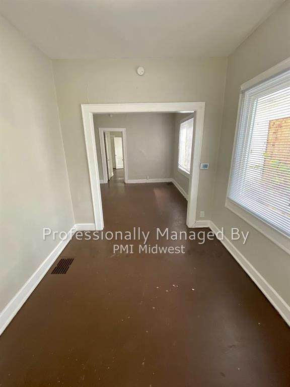 2827 Kenwood Avenue - Photo 1