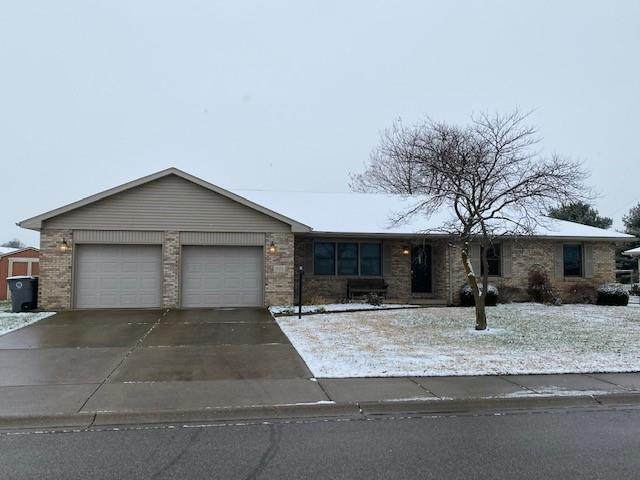 442 Alexander Drive, Seymour, IN 47274 (MLS #21757493) :: Mike Price Realty Team - RE/MAX Centerstone