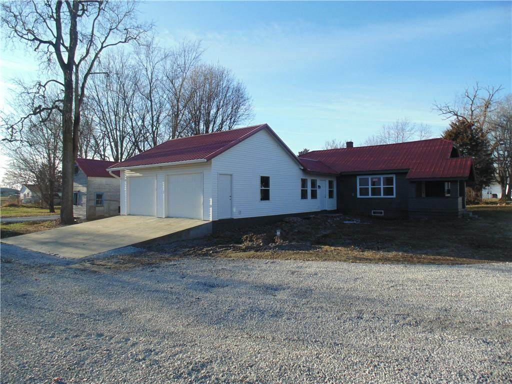 8284 State Road 109 - Photo 1