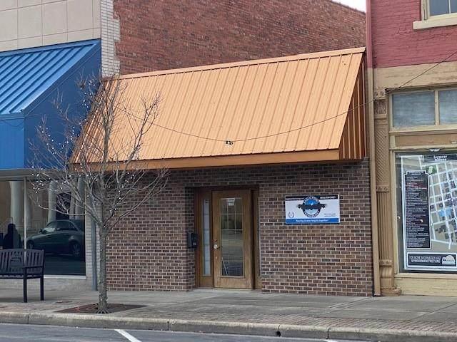 114 S Chestnut Street, Seymour, IN 47274 (MLS #21759166) :: Corbett & Company