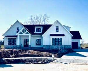 569 Amanda Circle, Greenfield, IN 46140 (MLS #21759171) :: Mike Price Realty Team - RE/MAX Centerstone