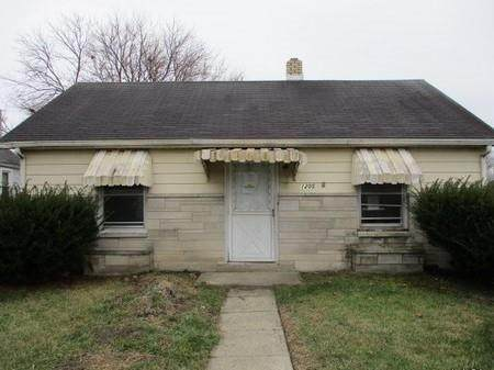 1205 E 6th Street, Muncie, IN 47302 (MLS #21759546) :: Mike Price Realty Team - RE/MAX Centerstone