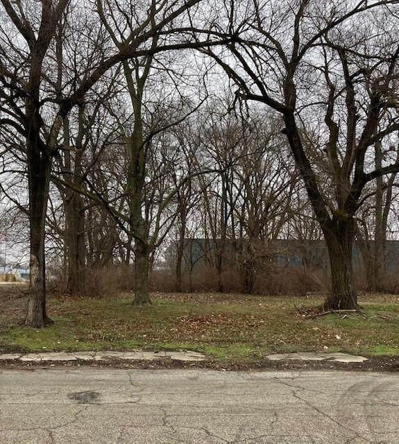 2047 Columbia Avenue, Indianapolis, IN 46202 (MLS #21759685) :: Dean Wagner Realtors