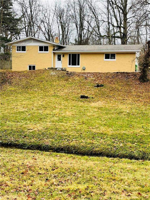 28 Circle Drive, Carmel, IN 46032 (MLS #21760240) :: Mike Price Realty Team - RE/MAX Centerstone