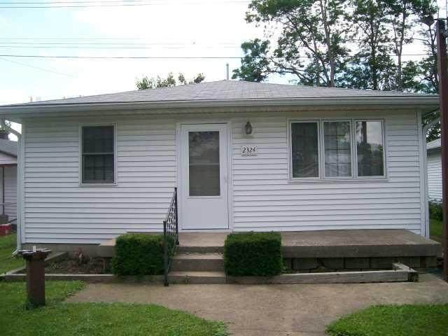 2324 N Leland Avenue, Indianapolis, IN 46218 (MLS #21761231) :: The Indy Property Source