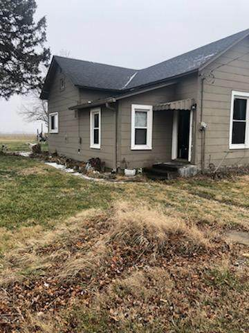 10941 N 1050 E, Hope, IN 47246 (MLS #21763236) :: Mike Price Realty Team - RE/MAX Centerstone