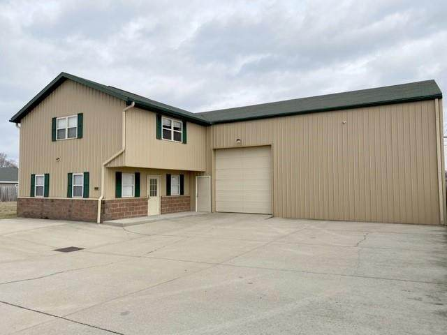 2918 S 1st Street, Terre Haute, IN 47802 (MLS #21765979) :: Mike Price Realty Team - RE/MAX Centerstone
