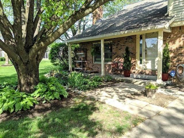 7422 Prairie Lake Drive, Indianapolis, IN 46256 (MLS #21767896) :: Ferris Property Group