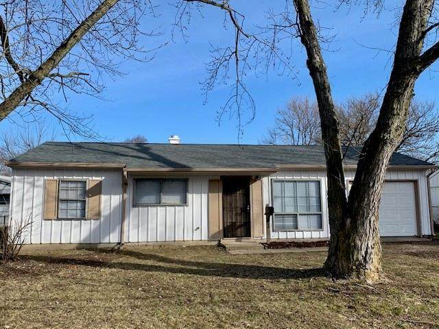 8314 E 42nd Street, Indianapolis, IN 46226 (MLS #21769604) :: Dean Wagner Realtors