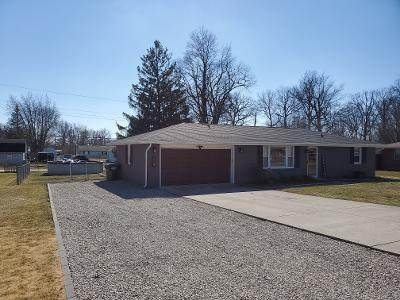 105 Willow Lane, Anderson, IN 46012 (MLS #21769926) :: Anthony Robinson & AMR Real Estate Group LLC
