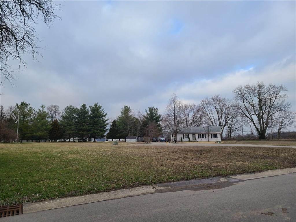 401 Foxridge Court - Photo 1