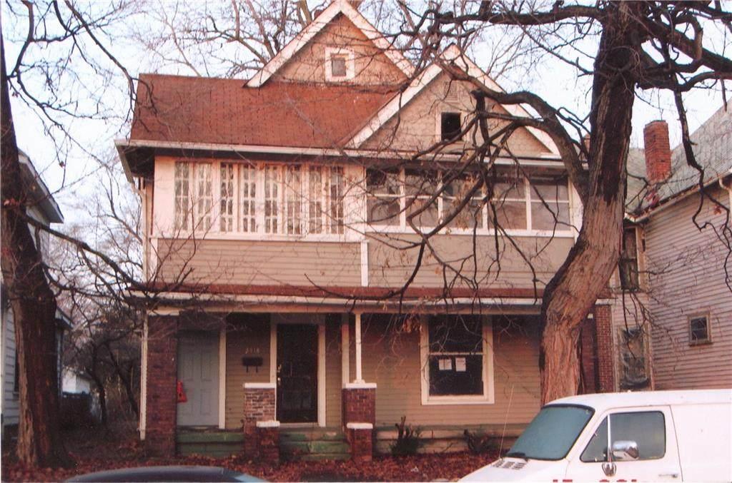 2918 Kenwood Avenue - Photo 1