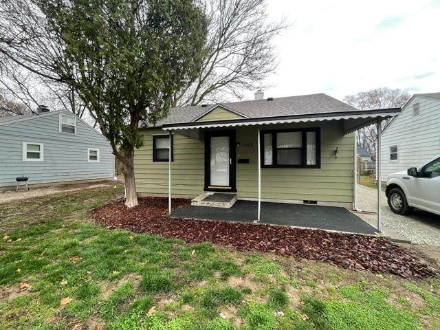 2413 N Centennial Street, Indianapolis, IN 46222 (MLS #21774642) :: The Indy Property Source