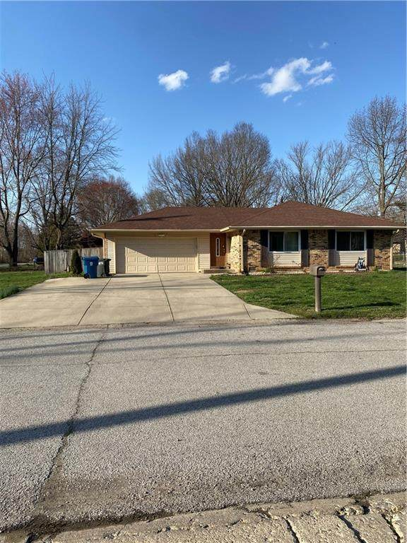 8411 Royal Meadow Drive, Indianapolis, IN 46217 (MLS #21774936) :: Anthony Robinson & AMR Real Estate Group LLC