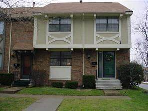 8123 E Bromley Place, Indianapolis, IN 46219 (MLS #21776295) :: JM Realty Associates, Inc.