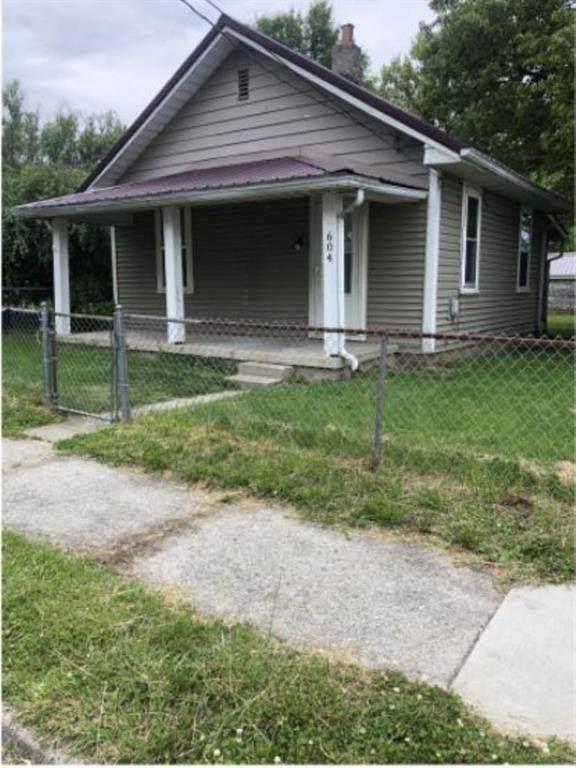 604 W 10th Street, Muncie, IN 47302 (MLS #21776772) :: The ORR Home Selling Team