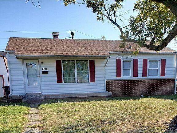 7943 E 49TH Street, Lawrence, IN 46226 (MLS #21778393) :: The Evelo Team