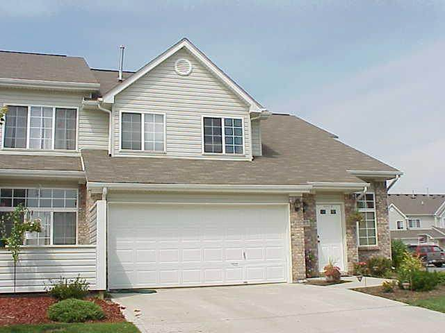9404 Enclave #D Drive, Avon, IN 46123 (MLS #21779611) :: David Brenton's Team