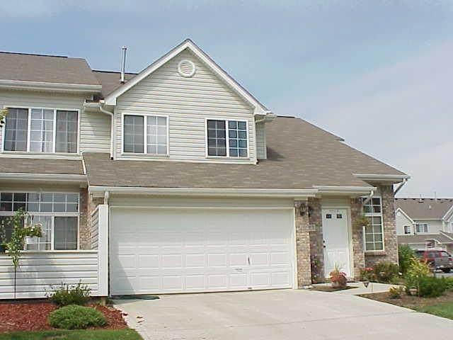 9404 Enclave #D Drive, Avon, IN 46123 (MLS #21779611) :: Heard Real Estate Team | eXp Realty, LLC