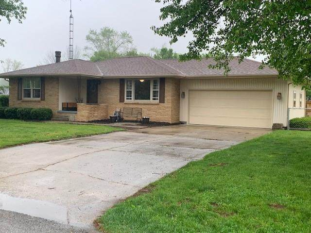 395 Daugherty Street, Columbus, IN 47201 (MLS #21782872) :: Anthony Robinson & AMR Real Estate Group LLC