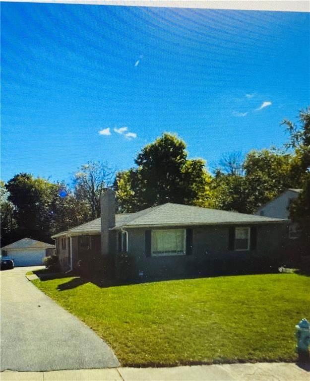 6733 N Riverview Drive, Indianapolis, IN 46220 (MLS #21786516) :: Keller & Corbett Real Estate