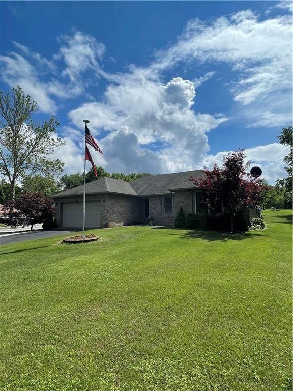 482 Mill Springs, Coatesville, IN 46121 (MLS #21788506) :: The ORR Home Selling Team