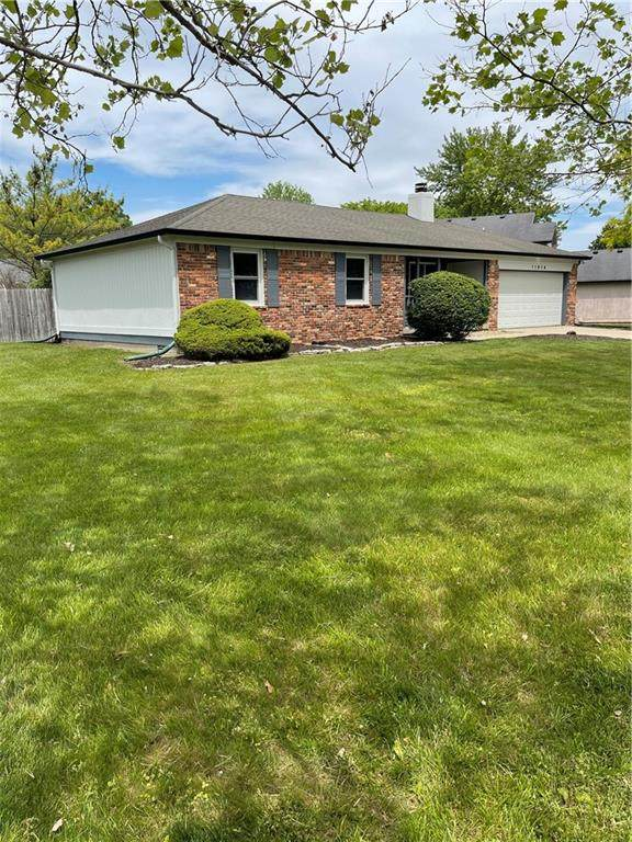 11914 Fairway Circle South Dr., Indianapolis, IN 46236 (MLS #21788898) :: RE/MAX Legacy