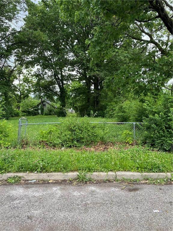 2428 N Gale Street, Indianapolis, IN 46218 (MLS #21789669) :: Ferris Property Group