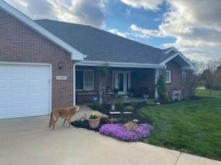 996 W Barouche, Pendleton, IN 46064 (MLS #21791557) :: Mike Price Realty Team - RE/MAX Centerstone
