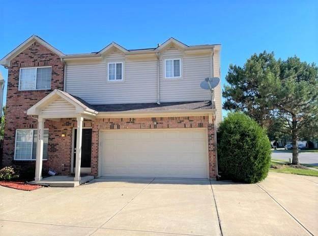 2580 Grand Fir Drive, Greenwood, IN 46143 (MLS #21791780) :: The ORR Home Selling Team