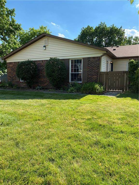 4811 Lynton Court, Indianapolis, IN 46254 (MLS #21791922) :: AR/haus Group Realty