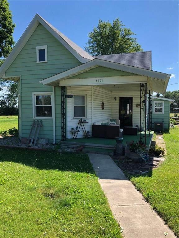 1221 N Anderson Street, Elwood, IN 46036 (MLS #21792086) :: The Indy Property Source