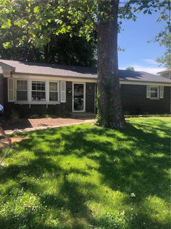 524 Brookside Lane, Plainfield, IN 46168 (MLS #21792265) :: Mike Price Realty Team - RE/MAX Centerstone