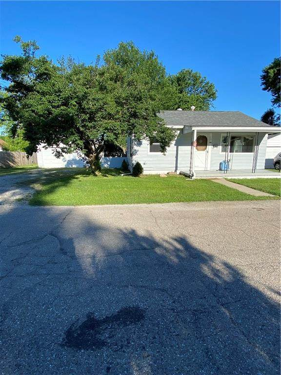 140 S Crawford Street, Martinsville, IN 46151 (MLS #21793640) :: The Indy Property Source
