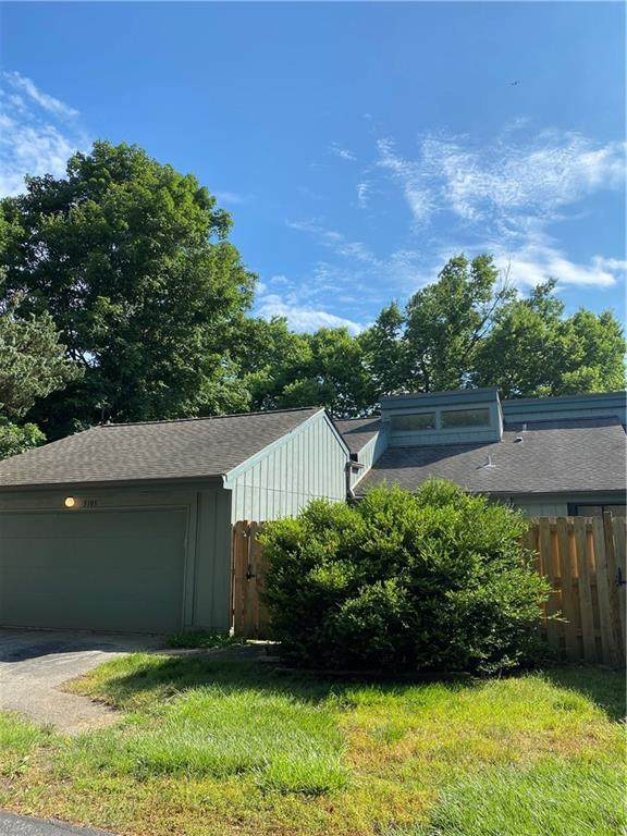5105 Vantage Point Road, Avon, IN 46123 (MLS #21794766) :: Mike Price Realty Team - RE/MAX Centerstone
