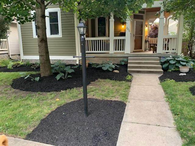 2254 N Talbott Street, Indianapolis, IN 46205 (MLS #21797052) :: The Indy Property Source